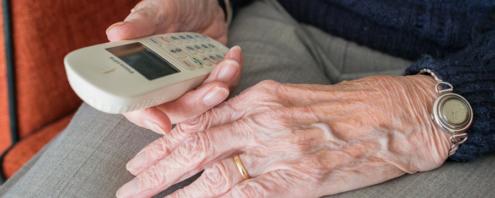 téléphone personne âgée